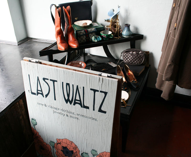 Last waltz sign